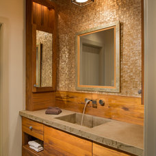 Traditional Bathroom by Archer & Buchanan Architecture, Ltd.