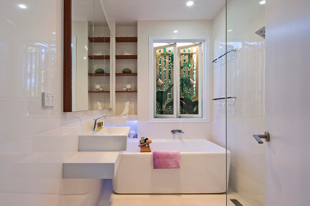 Contemporary Bathroom by JMHDesign