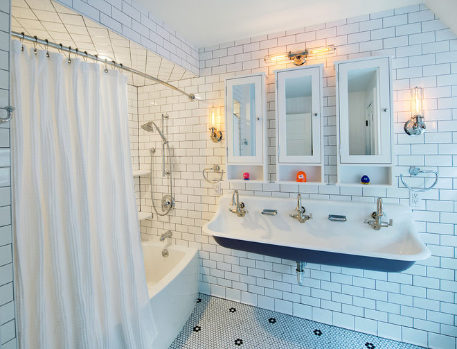 Transitional Bathroom by John R. Schroeder, AIA