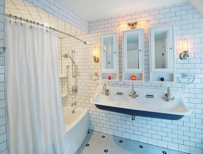 Transitional Bathroom by John R. Schroeder, AIA