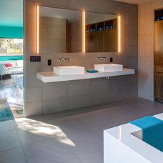 Contemporary Bathroom by Specht Harpman Architects