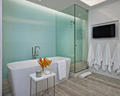 Bagno moderno con piastrelle blu foto idee arredamento