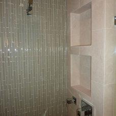 Modern Bathroom by Home Interiors