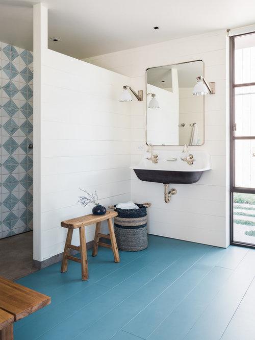 salle de bain campagne avec un sol en bois peint photos et id es d co de salles de bain. Black Bedroom Furniture Sets. Home Design Ideas