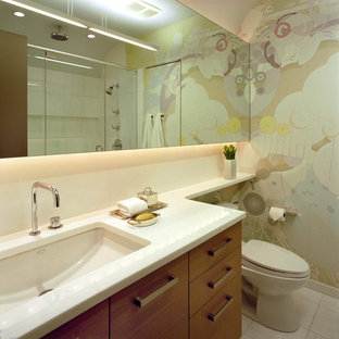 Design ideas for a contemporary bathroom in Chicago with a submerged sink.