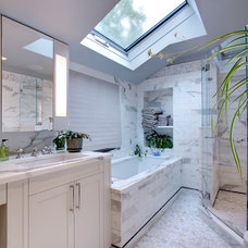 Contemporary Bathroom by J F ROESEMANN BUILDERS INCORPORATED