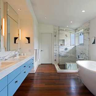 Dark Floor Bathroom Ideas | Houzz