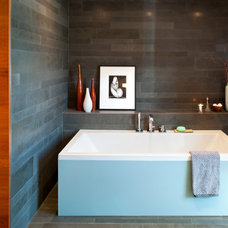 Modern Bathroom by BattersbyHowat Architects
