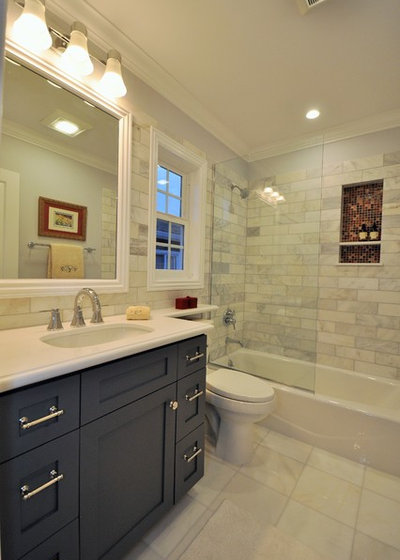 Popular Transitional Bathroom by CCForteza