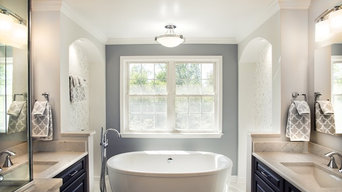 White freestanding tub.