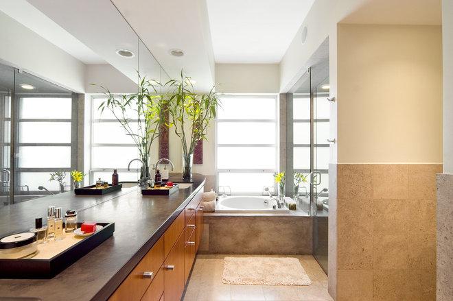 Modern Bathroom by Domiteaux + Baggett Architects, PLLC