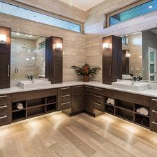 Contemporary Bathroom by tdSwansburg design studio