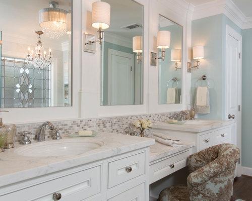 Bagno Beige E Bianco : Bagno con piastrelle beige e pareti blu foto idee arredamento