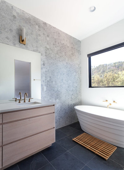 Contemporary Bathroom by Matthew Lechowick Design