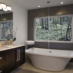 modern bathroom by Epic Development