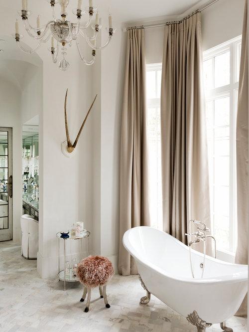 Salles de bains et wc romantiques avec une baignoire sur - Salle de bain avec baignoire sur pied ...