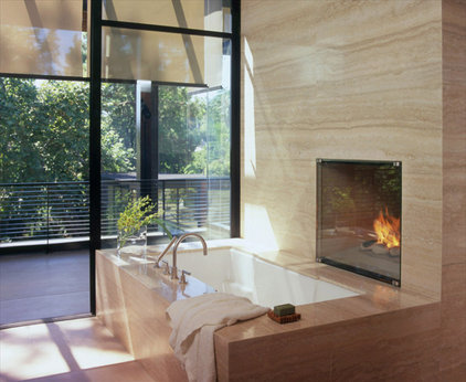 modern bathroom by Studio William Hefner
