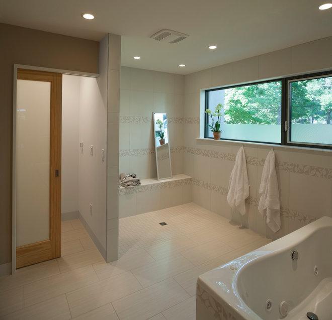 Modern Bathroom by DRAW Architecture