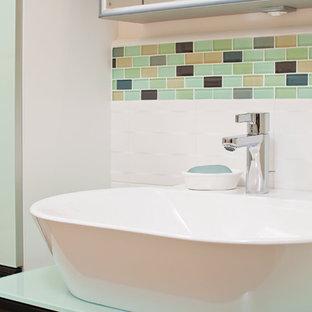 Modernes Badezimmer mit Aufsatzwaschbecken in San Francisco