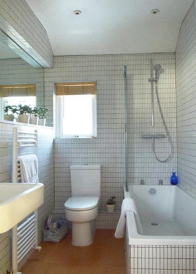 Bathroom by EB Interiors