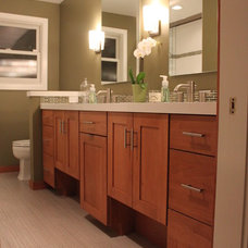 Modern Bathroom by DME Construction