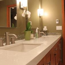 Modern Bathroom by DME Construction