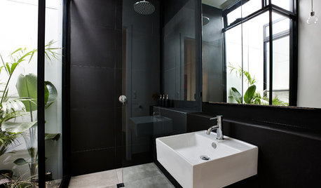 11 Breathtakingly Beautiful Black Bathrooms