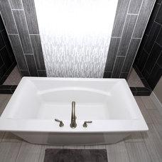 Contemporary Bathroom by Innovative Custom Homes