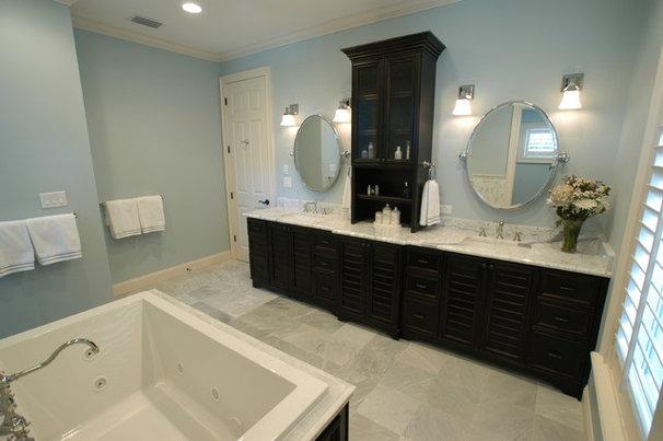 Traditional Bathroom by BASSO HOMES Inc