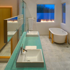Modern Bathroom by Ibarra Rosano Design Architects