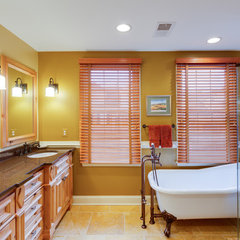 mediterranean bathroom by Kilber Arrington
