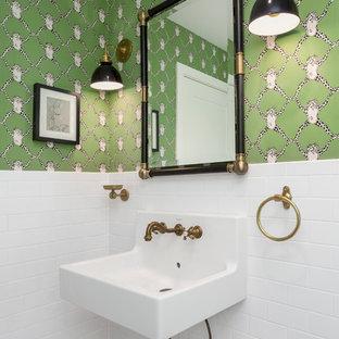 Immagine di una piccola stanza da bagno chic con piastrelle bianche, piastrelle in ceramica, pareti verdi, pavimento con piastrelle in ceramica e lavabo sospeso
