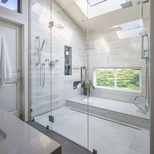 Salle de bain moderne avec une baignoire encastrée : Photos et idées ...