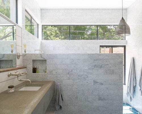 Cementine grigie finest esempio di una grande stanza da bagno