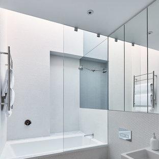 Salle d\'eau moderne avec carrelage en mosaïque : Photos et idées ...