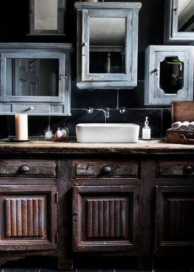 Eclectic Bathroom by Ryan Linnegar Photography