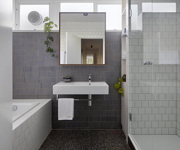 Contemporary Bathroom by Inbetween Architecture
