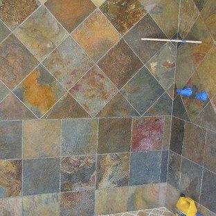Foto de cuarto de baño clásico renovado, de tamaño medio, con baldosas y/o azulejos beige, baldosas y/o azulejos negros, baldosas y/o azulejos marrones, baldosas y/o azulejos grises, baldosas y/o azulejos multicolor, baldosas y/o azulejos naranja, baldosas y/o azulejos de piedra y suelo de piedra caliza