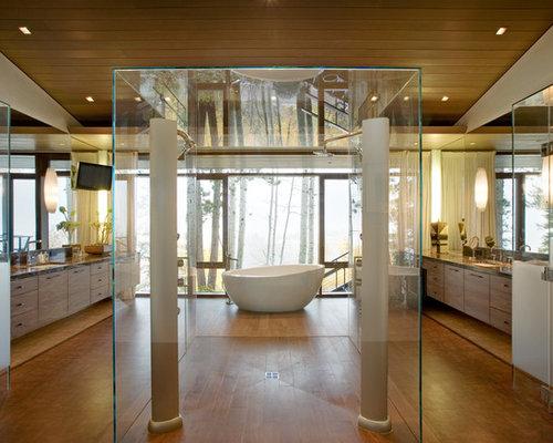 Trendy freestanding bathtub photo in Denver
