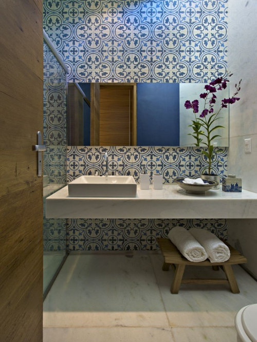 Best spanish style tile design ideas remodel pictures for Bathroom tiles spain