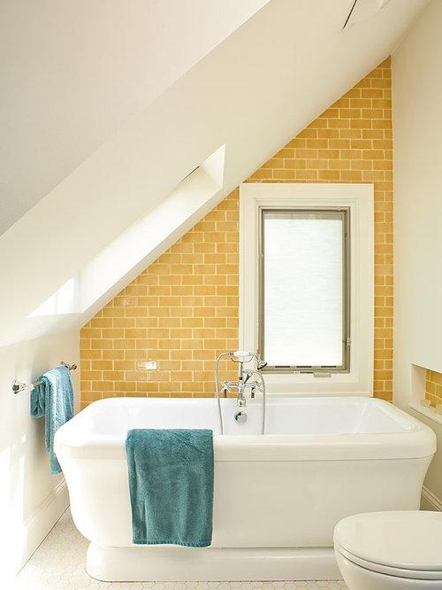 ide de dcoration pour une salle de bain marine avec une baignoire indpendante un carrelage - Carrelages Brun 70s Salle De Bains