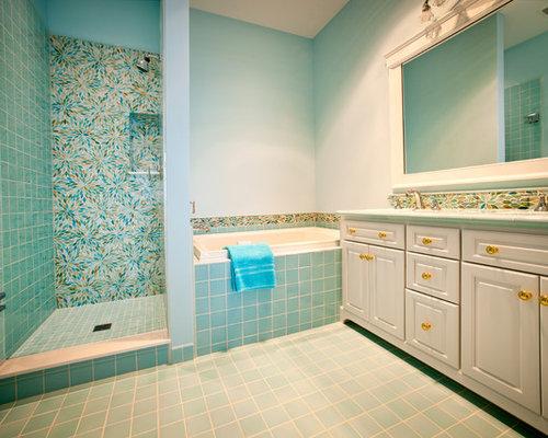 Vasca Da Bagno Vetro : Stanza da bagno eclettica con piastrelle di vetro foto idee