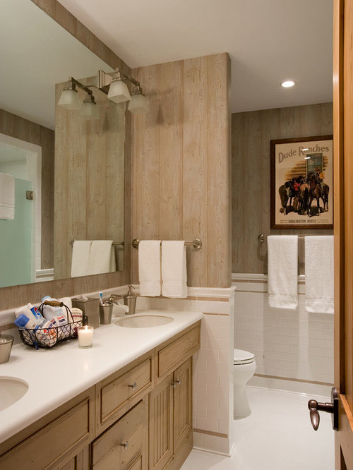 Best Bath with Beaded Inset Cabinets and Linoleum Floors Design Ideas & Remodel Pictures | Houzz