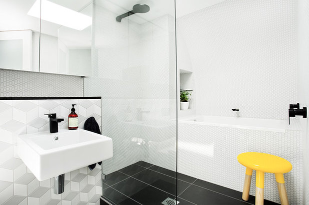 Contemporaneo Stanza da Bagno by Touch Interiors by Bronwyn Poole