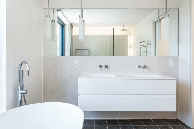 Contemporary Bathroom by Granit Architects