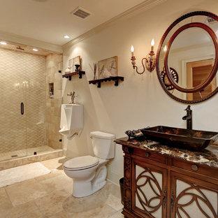 Esempio di una sauna chic di medie dimensioni con ante a filo, ante marroni, zona vasca/doccia separata, orinatoio, pareti grigie, pavimento in travertino, lavabo a bacinella, top in onice, pavimento marrone e porta doccia a battente