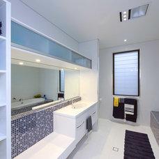 Modern Bathroom by Zugai Strudwick Architects