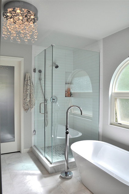 Modern Bathroom by Red Pepper Design & Cabinetry
