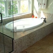Contemporary Bathroom by Zen Paradise, Inc.