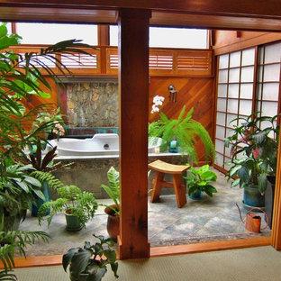 Foto de cuarto de baño asiático, de tamaño medio, con suelo de baldosas de cerámica
